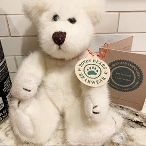 New Boyd Bear white stuffed animal leather collar
